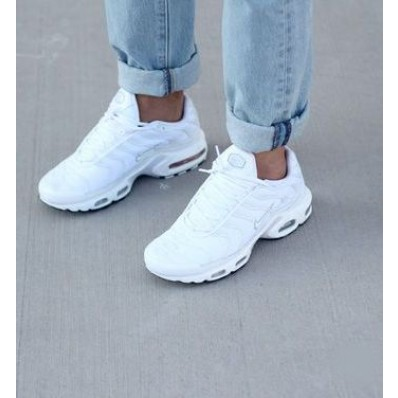 chaussure femme nike requin